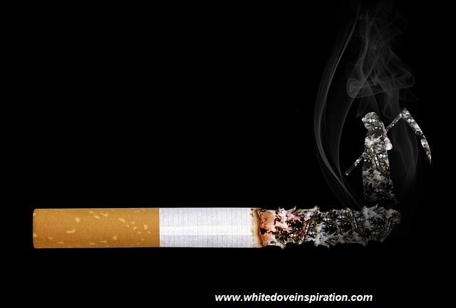 cigarette-2456476_640